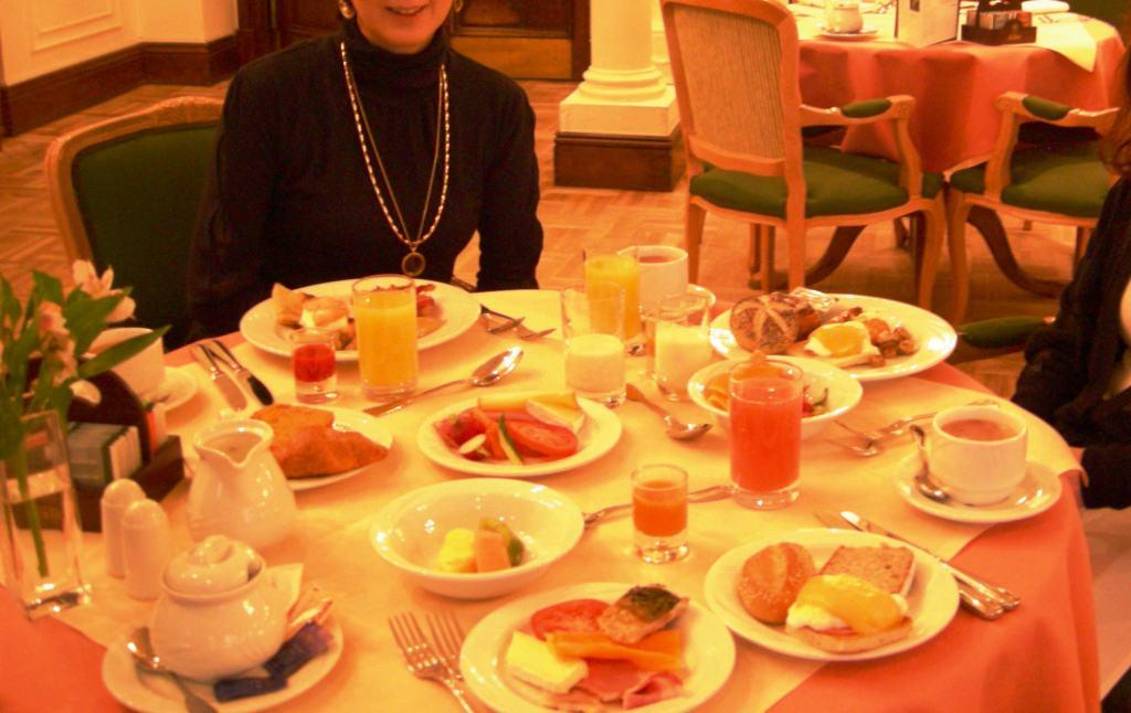 メリディアンブリストルの朝食.jpg